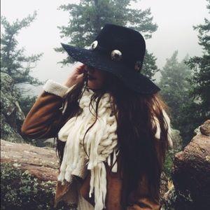 Black Floppy Wise Brimmed Hat